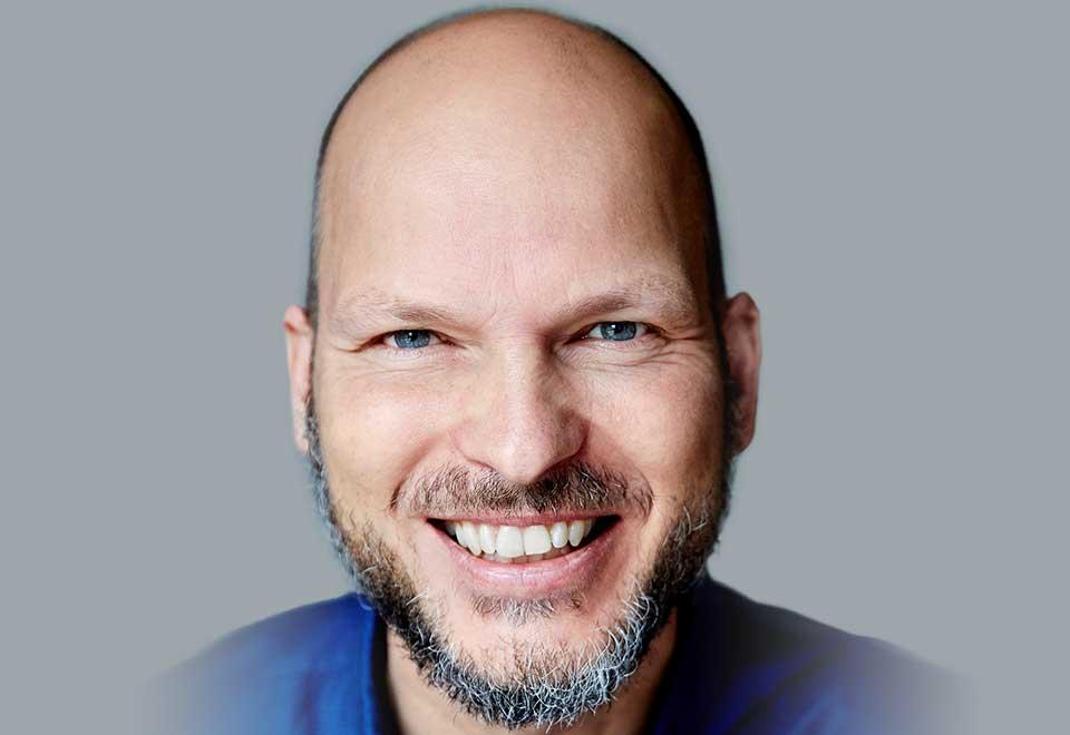 Jesper Hollensberg er underviser på kurset i klinikdrift på At Work Skolen